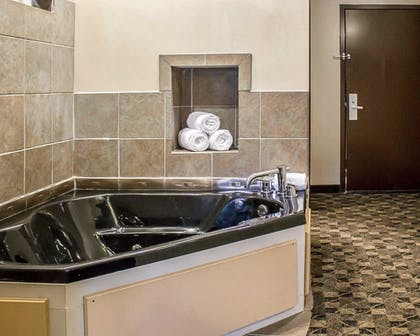 Jetted Tub | Comfort Suites Perrysburg - Toledo South