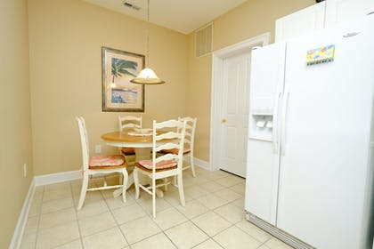 In-Room Dining   Barefoot Resort & Yacht Club