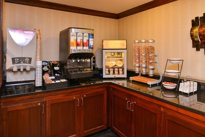 Breakfast Area | Best Western Plus Fairfield Hotel