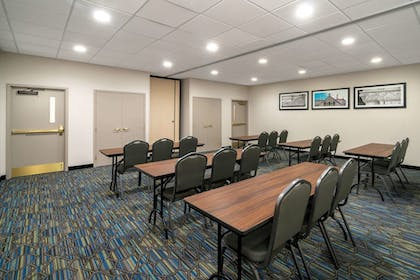 Meeting Facility | La Quinta Inn & Suites by Wyndham Latham Albany Airport