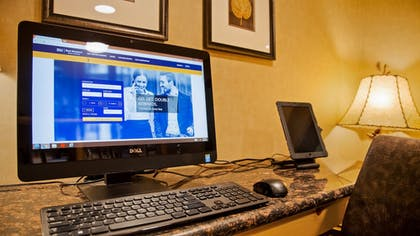 Business Center | Best Western Premier The Lodge on Lake Detroit