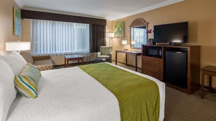 Guestroom | Best Western Harbour Inn & Suites