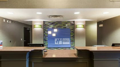 Lobby | Holiday Inn Express & Suites Brandon