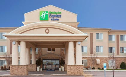 Exterior | Holiday Inn Express & Suites Brandon