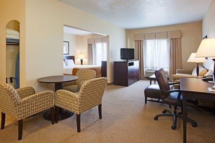 Guestroom | Holiday Inn Express & Suites Brandon