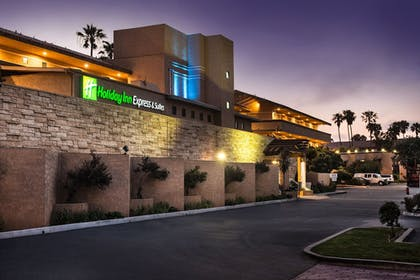 Featured Image | Holiday Inn Express Hotel & Suites Ventura