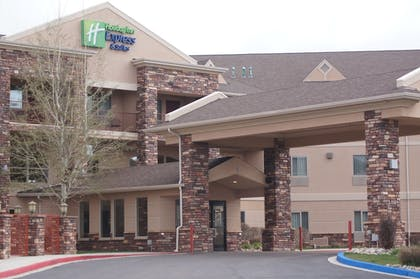 Terrace/Patio | Holiday Inn Express & Suites Gunnison