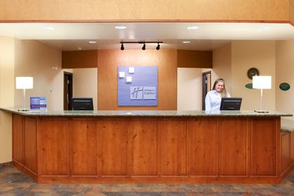 Lobby | Holiday Inn Express & Suites Gunnison