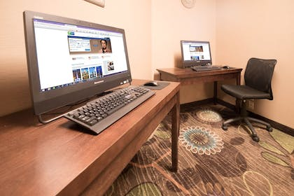 Business Center | Holiday Inn Express & Suites Gunnison