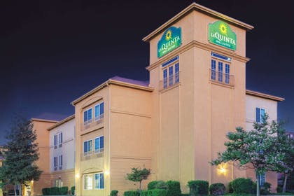 Featured Image | La Quinta Inn & Suites by Wyndham Bakersfield North