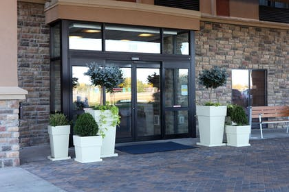Hotel Entrance   Holiday Inn Express and Suites Springfield Medical District