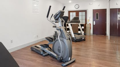 Fitness Facility | Holiday Inn Express and Suites Newton