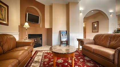 Lobby | Best Western Plus Bass Hotel & Suites