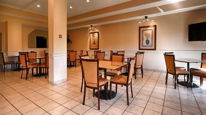 Breakfast Area | Best Western Plus Bass Hotel & Suites