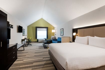 Guestroom | Holiday Inn Ex Hotel & Suites Florence I-95 & I-20 Civic Ctr