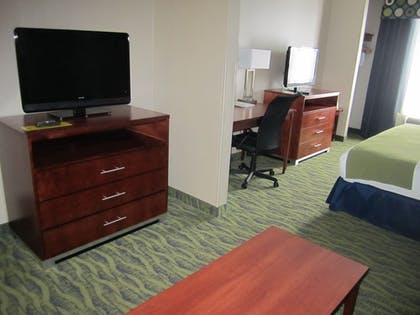 Living Area   Holiday Inn Express Hotel & Suites DuBois