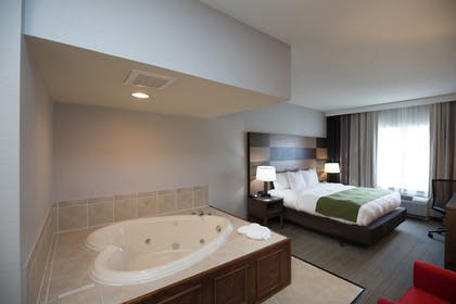 | Suite, 1 King Bed, Non Smoking, Jetted Tub | Country Inn & Suites by Radisson, Boone, NC