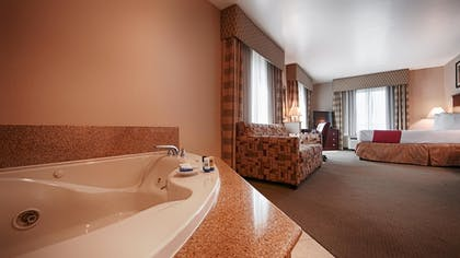 Guestroom | Best Western Riverview Inn & Suites