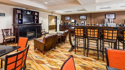 Breakfast Area | Best Western Riverview Inn & Suites