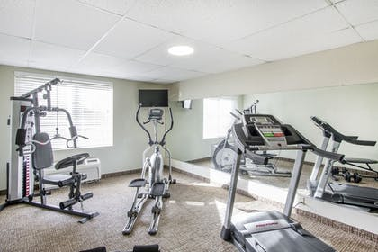 Fitness Facility | Comfort Inn St Petersburg North