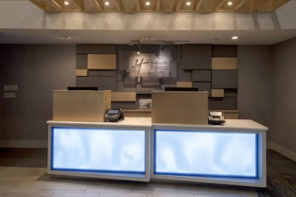 Lobby | Holiday Inn Express & Suites Interstate 90
