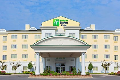 Exterior | Holiday Inn Express Hotel & Suites Watertown-Thousand Island