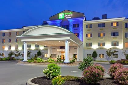 Featured Image | Holiday Inn Express Hotel & Suites Watertown-Thousand Island