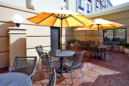 Outdoor Dining | Holiday Inn & Suites Ann Arbor Univ Michigan Area