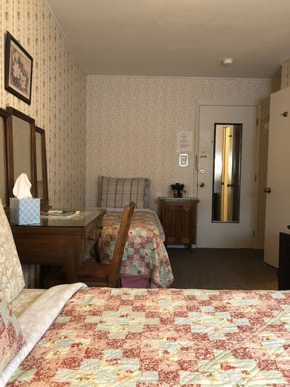 Guestroom | The Courtland Hotel and Day Spa