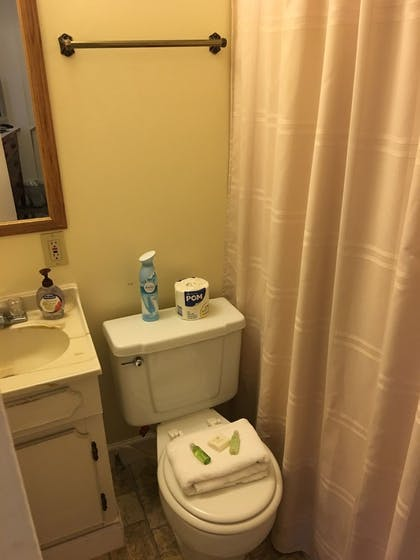 Bathroom | The Courtland Hotel and Day Spa