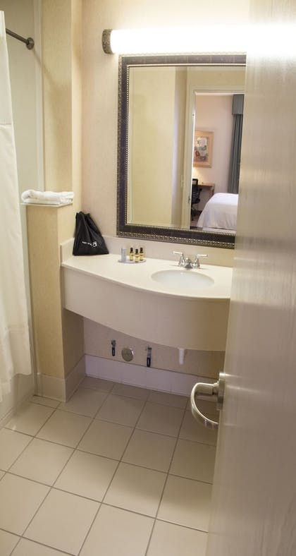 Jetted Tub | Best Western Plus Kendall Hotel & Suites