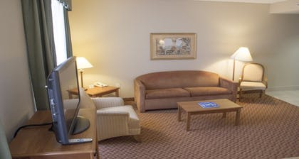 Living Area | Best Western Plus Kendall Hotel & Suites