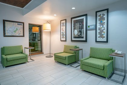 Lobby | Holiday Inn Express Hotel & Suites ELKINS