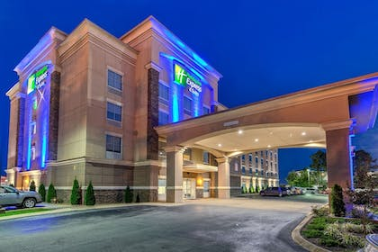 Featured Image | Holiday Inn Express Hotel & Suites Cookeville