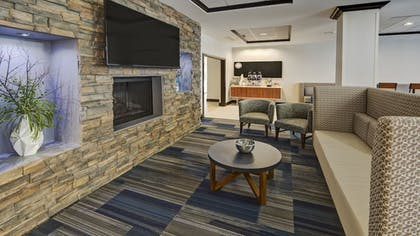 Restaurant | Holiday Inn Express Hotel & Suites Cookeville