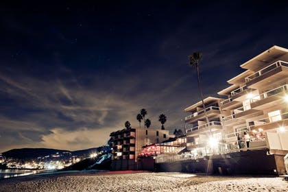 Beach | Pacific Edge Hotel