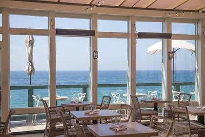 Restaurant | Pacific Edge Hotel