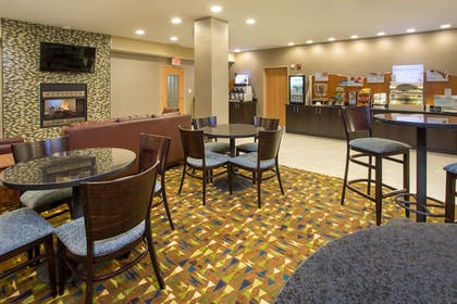 Restaurant | Holiday Inn Express & Suites Martinsville