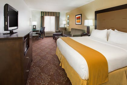 Guestroom | Holiday Inn Express & Suites Martinsville