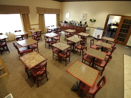Dining | Town & Country Inn and Suites