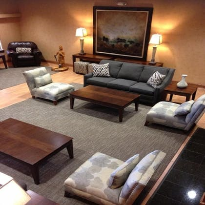 Lobby Sitting Area | Town & Country Inn and Suites