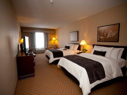 Guestroom | Town & Country Inn and Suites
