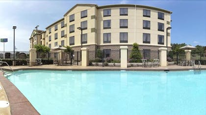 Outdoor Pool | Holiday Inn Express & Suites McAlester