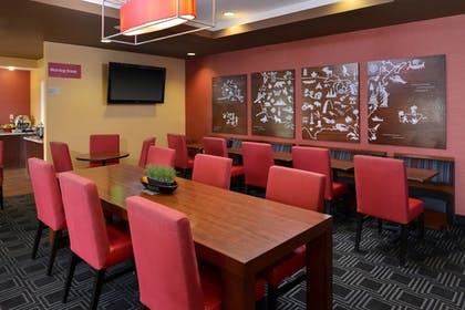 Restaurant | TownePlace Suites by Marriott Sacramento Cal Expo