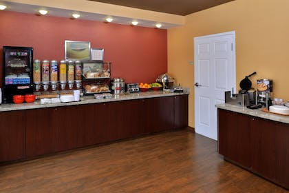 Breakfast Area | TownePlace Suites by Marriott Sacramento Cal Expo