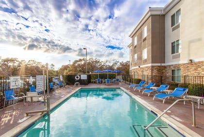 Outdoor Pool | Holiday Inn Express Hotel & Suites Roseville-Galleria Area