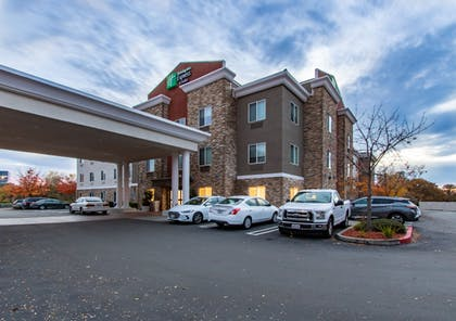 Featured Image | Holiday Inn Express Hotel & Suites Roseville-Galleria Area