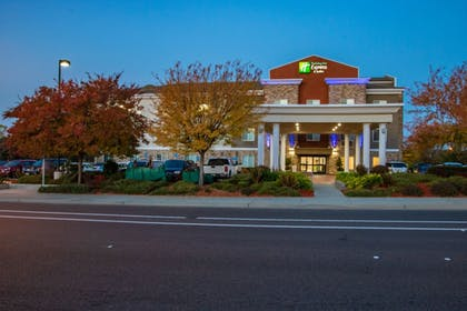 | Holiday Inn Express Hotel & Suites Roseville-Galleria Area