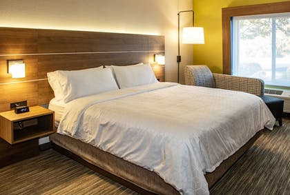 Guestroom | Holiday Inn Express Hotel & Suites Roseville-Galleria Area