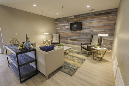 Lobby Sitting Area | Best Western Plus Killeen/Fort Hood Hotel & Suites